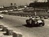 Luigi Villoresi prowadzi w wyscigu o GP Porto 1954