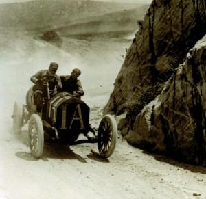 Vincenzo Lancia podczas wyścigu Targa Florio 1908