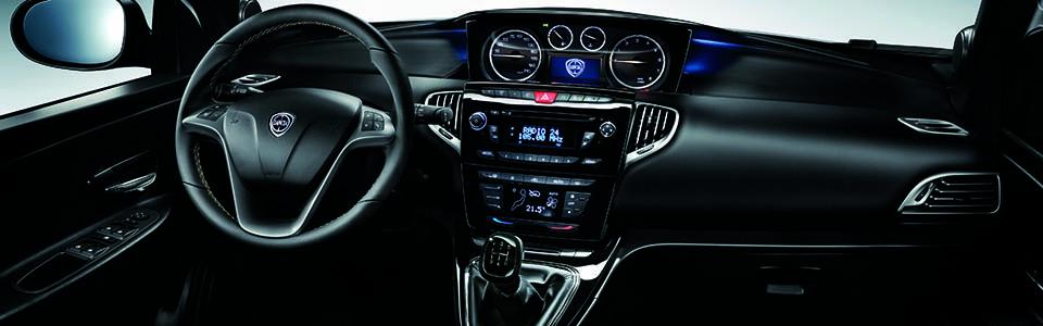Lancia Ypsilon wnętrze
